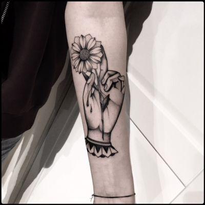 #black #hand #origami #tattoo #blackwork #totemica #ontheroad