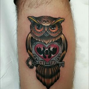 This was my 1st tattoo😁 #tattoo #tattoolovers #neotraditional #traditional #color #owl #key #sacredheart