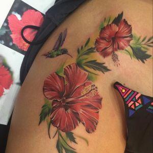 @jeantattoosrt #jeantattooart #flowers #color #hummingbird #megandreamtattoo