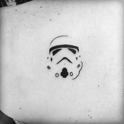 #stormtrooper #starwars #tattoo #fineline #inked #inklife #tattoolife #cheyennehawkpen #eikondevice #backtattoo #smalltattoo #minimaltattoo #blackink #fan #fantattoo