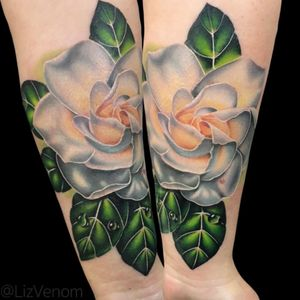 A #gladiolous tattoo I did at the #goldenstate tattoo show #flower #flowers #floral #green #colour #color #colorful #colourful #beauty #beautiful #feminine #girly #amazing #girls #women #inked #lizvenom #bombshelltattoo #canada #edmonton