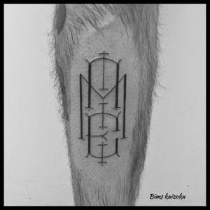 #bims #bimstattoo #bimskaizoku #initial #mae #tatouage #tatouages #paristattoo #paris #paname #letter #letters #lettering #letteringtattoo #ink #inked #inkedboy #tatts #tattoo #tattoos #tattooer #tattoogirl #tattoostyle #tattoodo #tattooed #tattooedlife #tattoomodel #tattoolife #tattooworkers