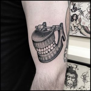 #black #antique #dental #model #vecabé #tattoo #blackworkers #skinweartattooshop #tunguska #totemica