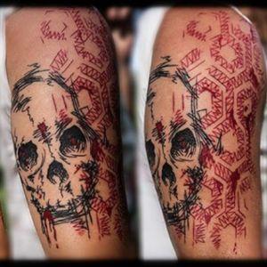 #skull #sketchyskull #skulltattoo #honeycombtattoo #honeycomb #tattooartist  #sketch #skulls #tatuadoresmexicanos #tatuadorasmexicanas #blackink #nancyabraham #thebesttattooartists #sketchytattoo