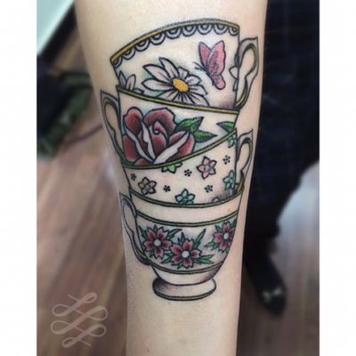 Some teacups for Fern from a year ago! #lewishazlewood #lewishazlewoodtattoo #staganddaggertattoo #somerset #uk #traditional #traditionaltattoo #teacup #teacuptattoo #teacups #teacupstattoo #flowers #traditionalflowers #flowertattoo #floraltattoo #floralteacup #cupoftea #colourtattoo #forearmtattoo