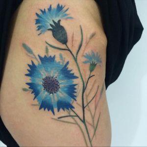 #flowers #cornflower #blueflower #hiptattoo #freehand #taktoboli @taktoboli