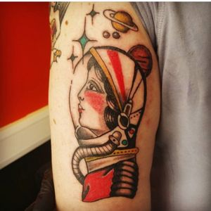 #eastsidetattoo #eastside #tattooapprentice #tattooartist #colourtattoo #ink #tattoo #tattooart #traditional #guyswithtattoos #tattooedguys #menwithtattoos #boyswithtattoos #guyswithink #spacewoman #astronaut