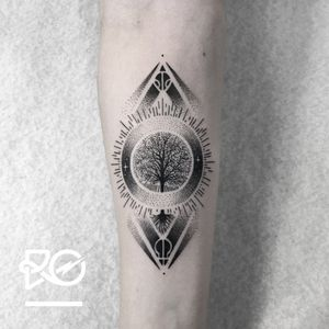 By RO. Robert Pavez • Tiny Tree of Life (Signs by twenty One Pilots) • Studio Nice Tattoo • Stockholm - Sweden 2017 • Please! Don't copy® • #engraving #dotwork #etching #dot #linework #geometric #ro #blackwork #blackworktattoo #blackandgrey #black #tattoo