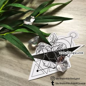 For commissions and more designs www.skinque.com✨ Linework rose with geometric background #rose #flower #flowers #geometric #linework #abstract #nature