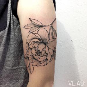 #tattoo #tattooartist #tattoo2me #tattoodesigns #tattoostyle #tattooedwoman #tattooinsta #tattoowork #ta2 #tat2 #the_tattooed_ukraine #graphictattoo #dotwork #lines #linework #tattooodo #tattoostudio #tattootime #d_world_of_ink #enmanierenoire #ttblackink #kievtattoo #theblackmasters #inkstinctsubmission #blackinkedart