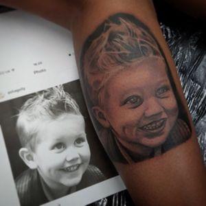 #portrait #childportrait #blackandgreytattoo #uktta #ezcartridges #tattoome #silverbackinkinstablack