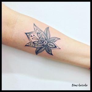 #bims #bimstattoo #bimskaizoku #paris #paname #paristattoo #tatouée #tatouage #tatouages #fleur #flowers #mandala #lotus #photo #picture #tattoo #tattooer #tatuaje #tattoostyle #tattoolove #tattoogirl #tattoolife #tattoomodel #tattooworld #tattooedlife #tattooworkers #tattooartistmagazine #ink #inkedgirl @tattoos_of_instagram @tattooartistmagazine @tattoo2me @tattoos_of_insta
