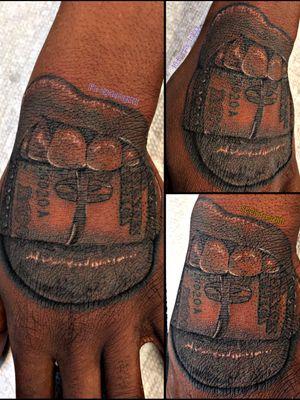 #purple_inkxx #realistic #blackandgrey #lips #tattooartist #portrait #money #teeth #mouth #purple_inkxx #tattooartist #tattooist #blackandgreytattoo #blackandgreytattoos #tattoos #tattoo #handtattoo #liptattoo #money #moneytattoo #realistictattoo #realistic #tattooartistwanted #lip #ink #inked #inkedup #tatted #tattooed #tattoomagazine #inkmaster #tattoolife #tattoolove #tattooistartmagazine #tattooistartmag #tattooideas #tattooing #darkskinbodyart