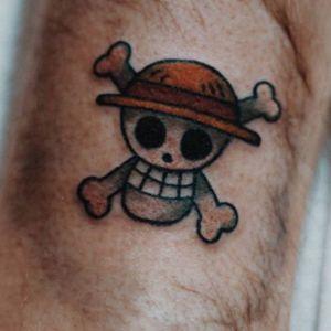 Cheeky #skull #skullandcrossbones with #helmit #hat by artist #tkotattoos_ @tktattoos_