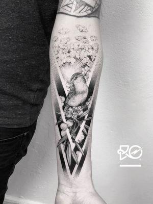 By RO. Robert Pavez • Waiting for Haven ➖ Studio Zoi tattoo Stockholm 🇸🇪 • 2018  • #engraving #dotwork #etching #dot #linework #geometric #ro #blackwork #blackworktattoo #blackandgrey #black #tattoo #fineline