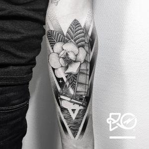 By RO. Robert Pavez • Memoirs of a Magnolia • Studio Nice Tattoo • Stockholm - Sweden 2018 • #engraving #dotwork #etching #dot #linework #geometric #ro #blackwork #blackworktattoo #blackandgrey #black #tattoo #fineline