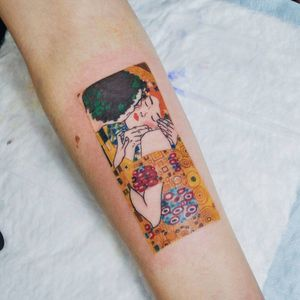 """""""The kiss"""". #klimt #thekiss #color #colorful #colortattoo #reproduction"""
