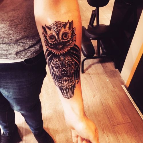 Neotrad owl and sugar skull done by my cousin kevmc up in #dublinink #owl #dreamtattoo