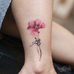 poppy & Korean calligraphy :) #watercolor #watercolortattoo #flowertattoo #poppy #calligraphy
