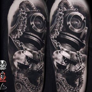 Amazing! Everything looks great #pirates #ship #octopus #diver #moon #water