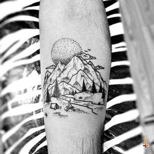 Nº381 #tattoo #tattooed #ink #inked #landscape #mountains #camping #forest #nature #dotwork #details #blacktattoo #eternalink #liningblack #bylazlodasilva Based on another artist design