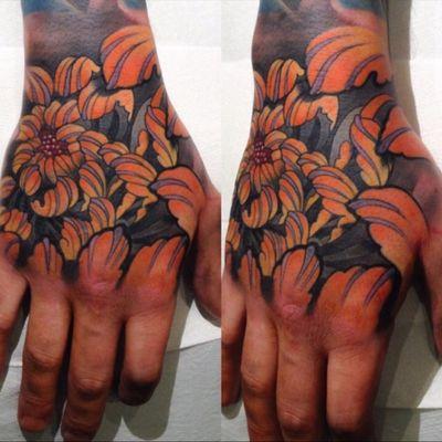#japanesetattoo #chrysanthemum #chrysanthemumtattoo #handjob #irezumi #inkjecta #WeAreSorryMom #killerinktattoo