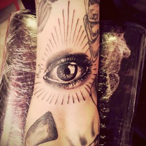 #eyetattoo #blackandgrey #photorealistic #realistic #tattoo #realistictattoo #illuminati #realisticeye