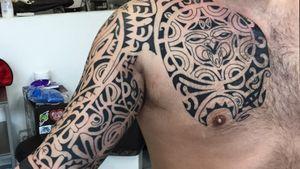 Maori                                                       Tattoo by Alessandro Bassetti       Ale_un@live.it.                         facebook.alessandro bassetti tattoo roma   instagram.alessandrobassettitattoo                    #maoritattoo #tribaltattoo #maoristyle #maori #chesttattoo #armtattoo #armtattoos #maoriarmtattoo #freehandtattoo #freehand