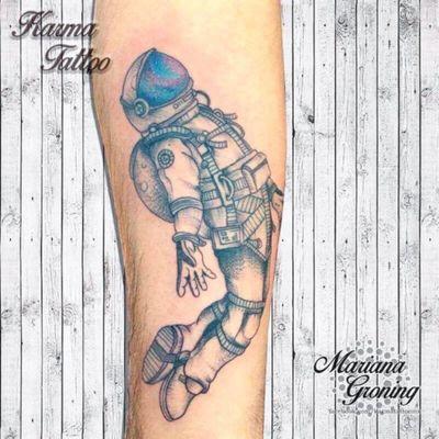 Tatuaje de astronauta, astronaut tattoo; diseño proporcionado por el cliente #tattoo #tatuaje #astronaut #astronauta #space #espacio #stars #universe #universetattoo #mexico #cdmx #mexican #madeinmexico #hechoenmexico #marianagroning #karmatattoomx