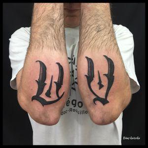 U.V sur le poto ☠️GAZ☠️ #bims #bimstattoo #bimskaizoku #gaz #ultraviolent #paris #paname #paristattoo #tatouage #tatouages #letters #lettering #love #hate #instatattoo #instagood #street #graffiti #graffitiparis #blxckwork #blxckink #txttoo #tattoo #tattoos #tattoostyle #tattooer #tattoolifestyle #tattoowork #tattooartist