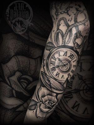 Trabalho feito em itumbiara pra finalizar um fexamento de braço, logo menos posto o trampo completo, valeu a cofiança! #rataria #tattoo #blackwork #blackworkers #blackworkerssubmission #ttblackink #onlyblackart #theblackmasters #tattooartwork #inkstinct #inkstinctsubmission #superbtattoos #wiilsubmission #stabmegod #tattoos_artwork #clocktattoo #clock