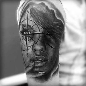 #angellove #portrait#wanderlust#woman #compass