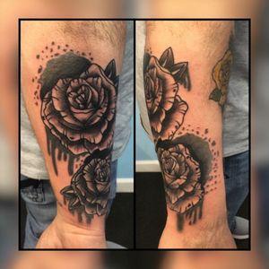 Roses #rosetattoo #roses #blackandgrey #ghettobrite2016 #walkinwarrior #batonrouge #batonrougetattooshop #pridetattooneedles #phucstyxtattoosupply #electrumstencilprimer