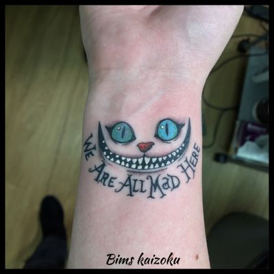 #bims #bimskaizoku #bimstattoo #raveninktattooclub #paris #paristattoo #paname #tatouages #tatouage #txttoo #cheshirecat #cheshire #weareallmadhere #aliceinwonderland #aliceaupaysdesmerveilles #rotary #dragonfly #kwadron #ink #inkedgirl #tattoo #tattoos #disneylandparis #disneyland #disney #disneytattoo #disneymagic #tattooer #tattoedgirl #tattooartist
