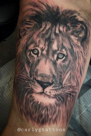 Lion on Ben #liontattoo #blackandgreytattoo #kingpintattoosupply #eternalink #keithbmachinesworks #blackwork #neotraditional