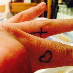 #heart #fingertattoo