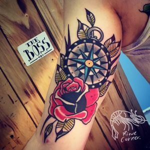 #oldschool #oldschooltattoo #riquecorner #rose #tattoo #rosetattoo #compass #tradtionaltattoo #traditional #tattooartist #tattoooftheday