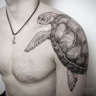 #turtle #blackandgrey - excellent #bodyplacement - #tattoo by #artist #Tabuns @alex_tabuns