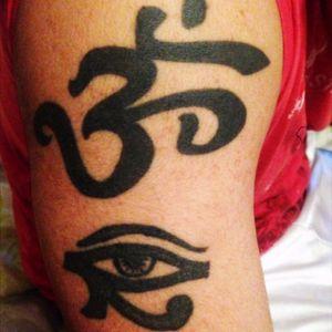 #buddhatattoo #eyeofhorus #blackinktattoo