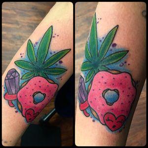 Munchie tattoo #weed #weedtattoo #marijuana #munchie #donut #donuttattoo #ringpoptattoo #ringpop #electrumstencilprimer #pridetattooneedles #phucstyxtattoosupply #ghettobrite2016 #tattoo #walkinwarrior #batonrougetattooshop #batonrouge