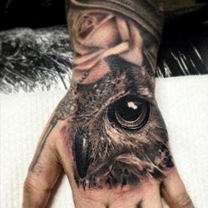 #owlhead #owl #eye #rose #key #skeletonkey #blackngrey #hand #handtattoo #victimsofport #victimsofink #melbourne #Australia @marissa_o #marissa_o