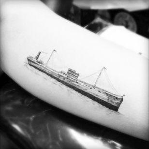 Ahoy on the new Tattoodo app! #fineline #drwoo #ship #boat #forearm