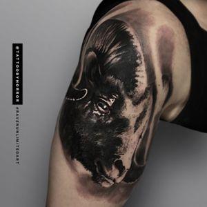 #bng #bngtattoo #tattooist #blackandgrey #porto #portugal #portrait #portotattoo #oporto #oportotattoo #ravenunlimitedart #realismtattoo #realistictattoo #ink #inked #tattoodo #byhorror