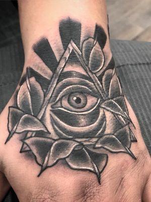 #tattoooftheday #neotraditional #blackandgrey