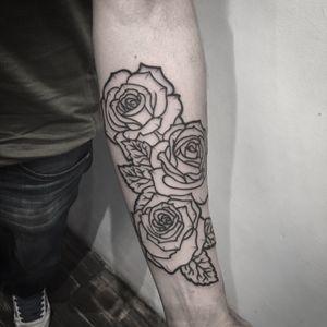 #rose #rosetattoo #roses #linework #lineworktattoo #blackwork #blackworktattoo #btattooing #blackink #blxckink