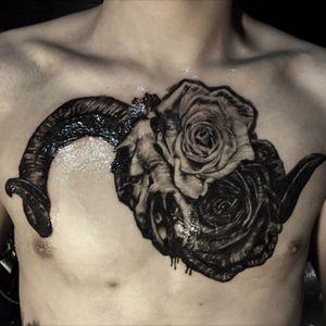 Ramskull and roses #blackandgay #realistictattoos