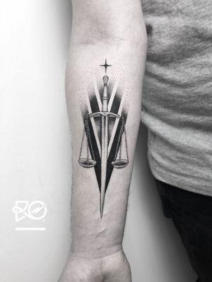 By RO. Robert Pavez • Sword ➖ Studio Vaders Dye - Hamburg 🇩🇪 • 2018  • #engraving #dotwork #etching #dot #linework #geometric #ro #blackwork #blackworktattoo #blackandgrey #black #tattoo #fineline