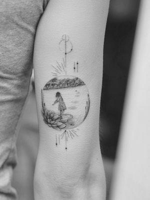 #tattoo #linework #lineworktattoo #minimaltattoo #minimalistic #blackandgrey #blackandgreytattoo #geometry #geometrytattoo #blackwork #naturetattoo #mood