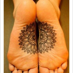 #meagandreamtattoo #meagandreamtattoo #meagandreamtattoo  my feet are practically desensitized, (i walk barefoot over gravel) i would LOVE this challenging placement and a more realistic sunflower. I have a floral half sleeve so this will keep with the theme.
