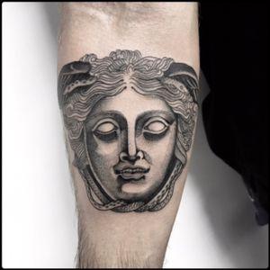 #black #medusa #rondanini #tattoo #blackwork #totemica #ontheroad